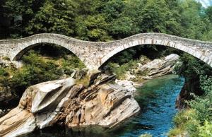 Lavertezzo ponte dei salti